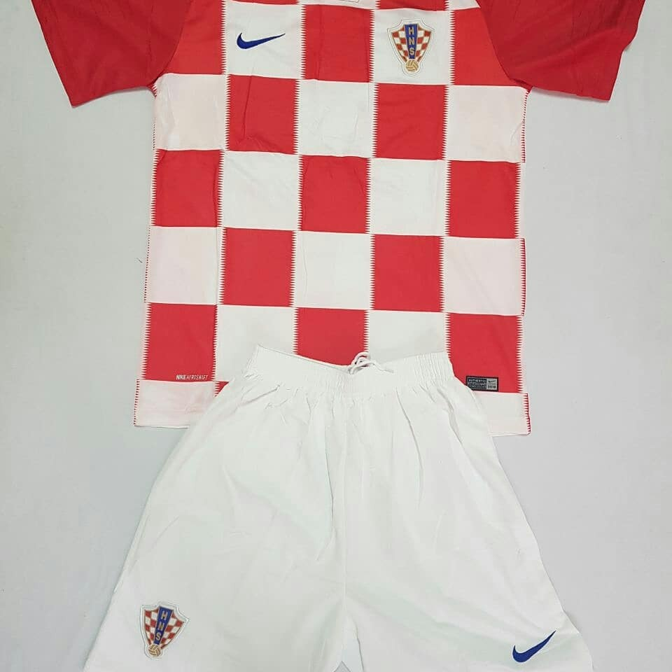 d61a5c7c90ac6 Uniformes Para Equipos De Futbol Croacia. -   35.000 en Mercado Libre