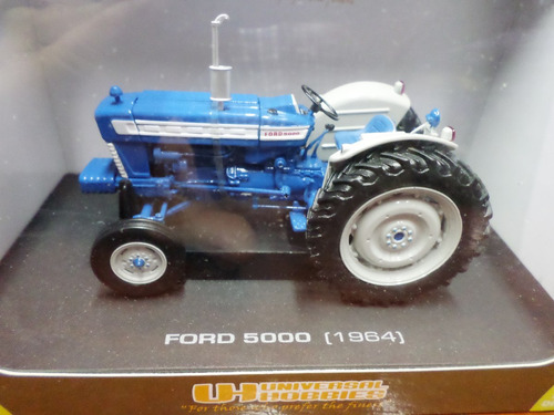 universal hobbies 1/32 tractor ford 5000 1964  excelente!!!