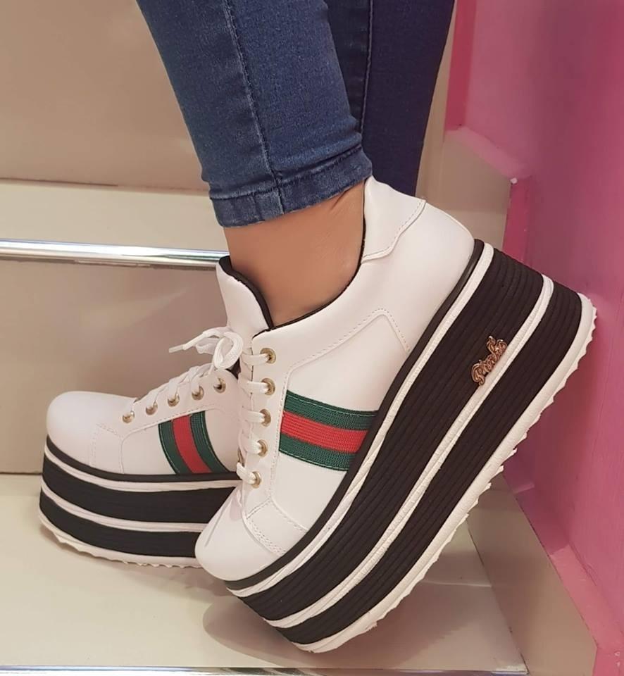 a6f533536b7 Zapatillas Urbanas Mujer Con Plataforma Verano 2019 2050 -   1.400 ...