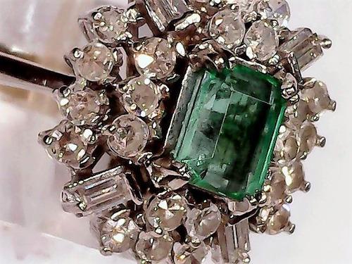urgente anillo de oro blanco 18k con diamante y esmeralda..