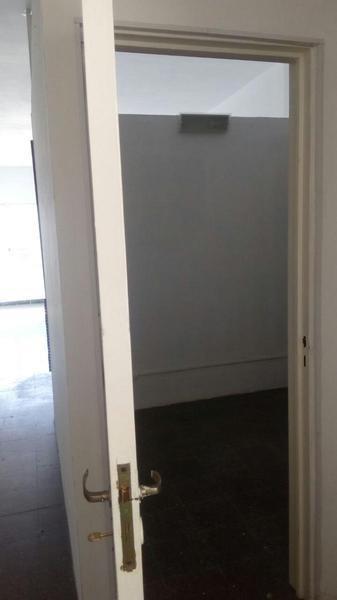 uriburu al 500 y av corrientes 42 m²