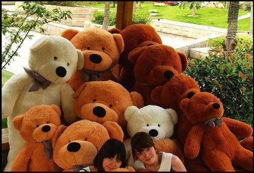urso de pelúcia teddy gigante grande com 170cm - 1,7 metros