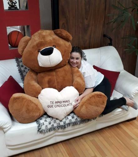 urso marrom cafe 1,30 mts enorme pelúcia gigante com coração