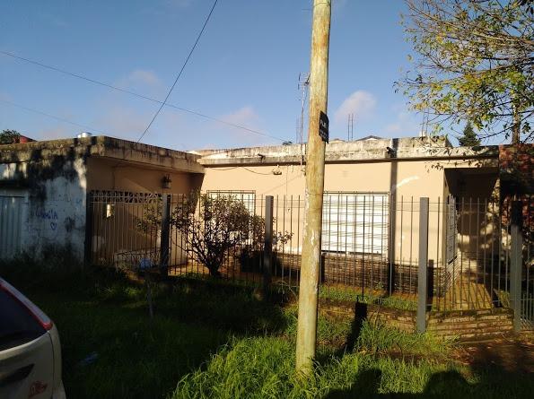 u$s120.000 bolivia 2208 ezpeleta oeste casa de 4 amb. a/cred