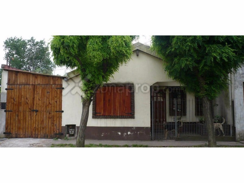 u$s58.000 calle 340 bis 3900, quilmes, casa a la venta.