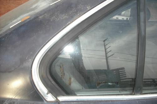 usado 01 vidro otico do lado direito da bmw 525