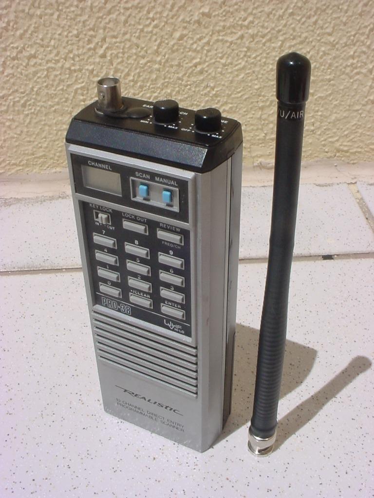 usado radio ht scanner realistic pro 38 funcioando r 280 00 rh produto mercadolivre com br