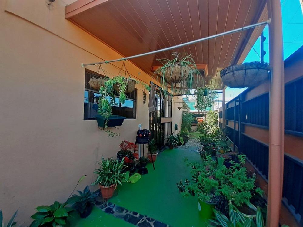 usd$112.500 - encantadora casa esquinera de 86 m2, 2 hab.