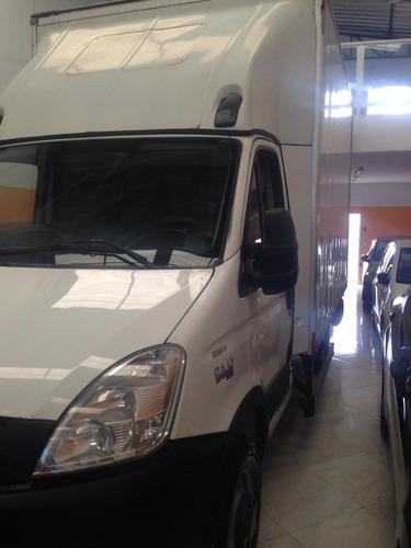 utilitário com serviço iveco daily 35s14 bau 3,9 troco carro