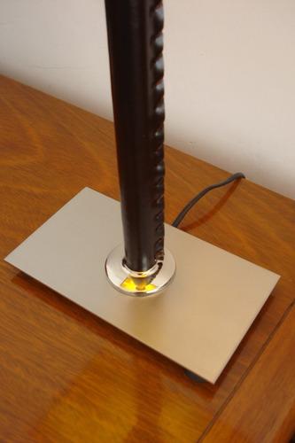 v-2534 velador platil con cuero ecológico o platil total