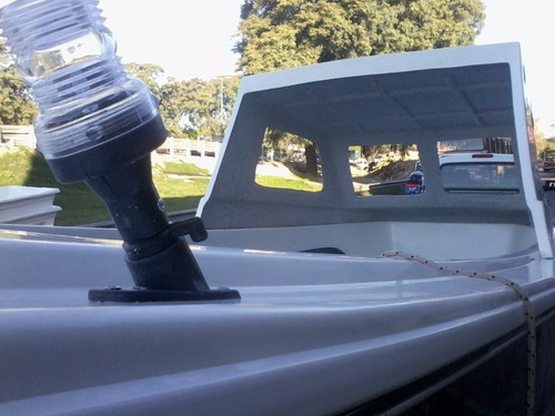 v marine520  media cabina tracker isleño  nautica gral paz