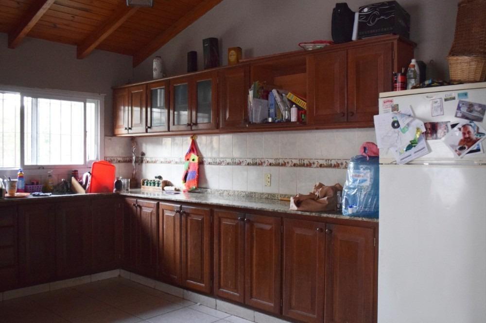 v216 venta - villa de lago, complejo de 6 deptos + chalet