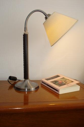 v2535 velador flexible con cuero ecológico o platil total