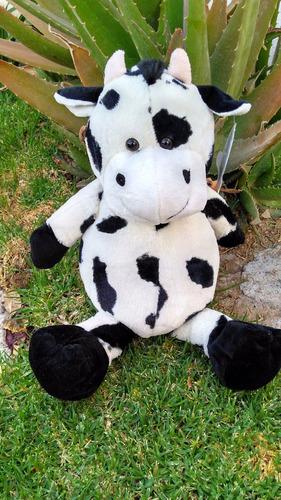 vaca de peluche grande de 45 cms con sus patitas