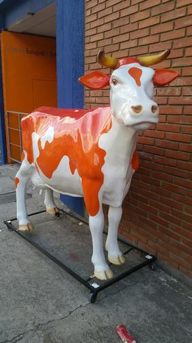 vaca en fibra de vidrio, para parques tematicos o fincas