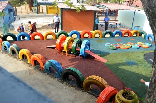 vaciado en sitio de piso de goma parques infantiles