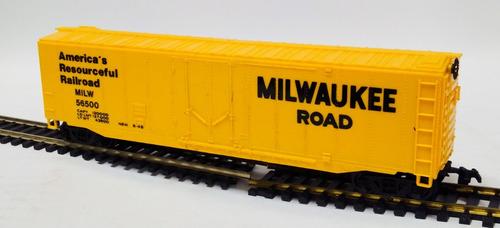 vagón americano milwaukee road- escala h0 bachmann 1/87