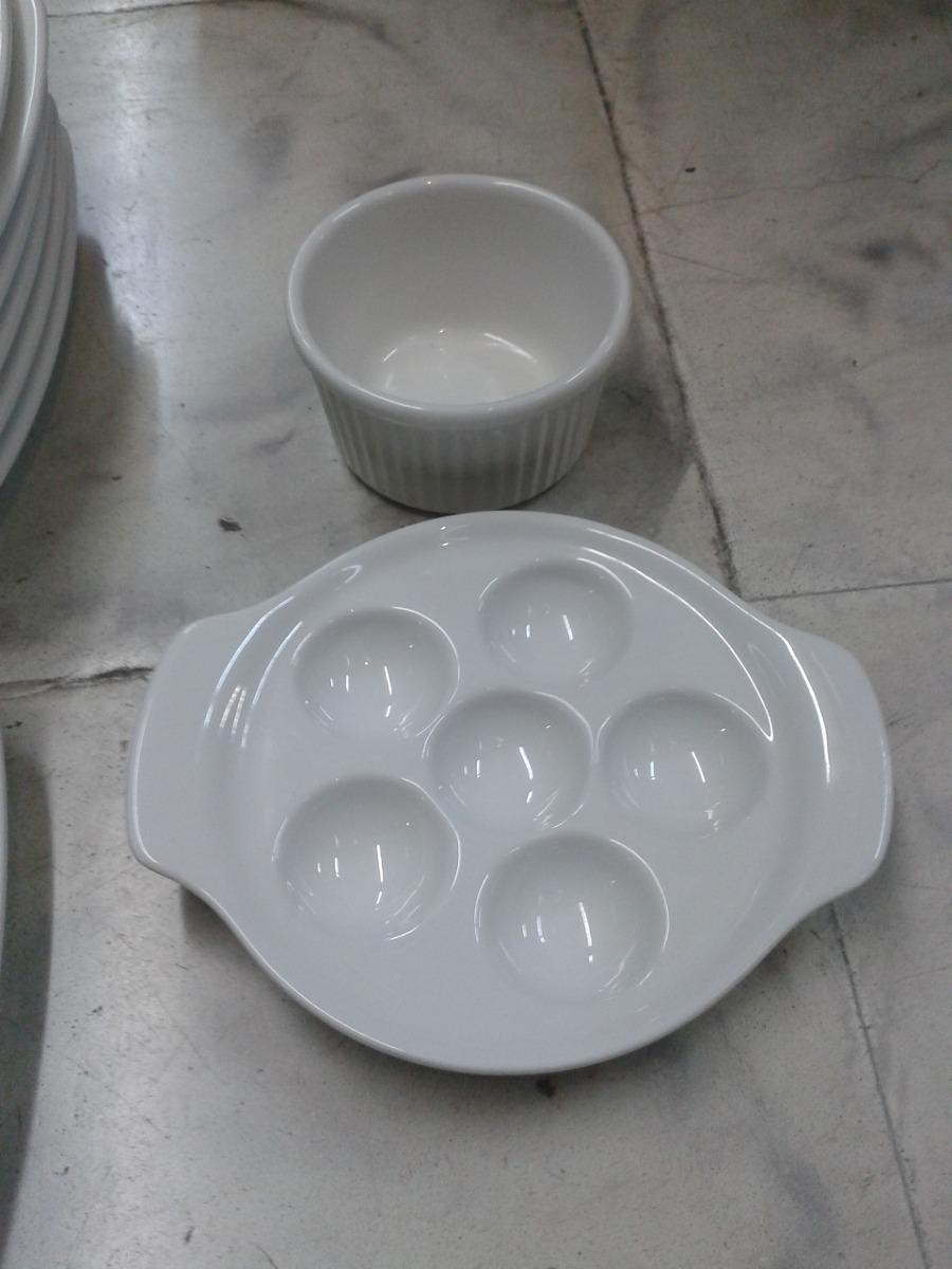 Vajilla corona de 7 platos 1 salsera y 1 caracolera for Vajilla de platos