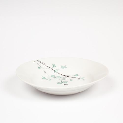 vajilla de porcelana fina, para 4 personas con 20 piezas.