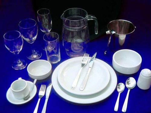 vajilla lo-ni-alquiler de platos,copas,cubiertos, manteles