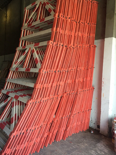vallas y cajones de madera para seguridad vial