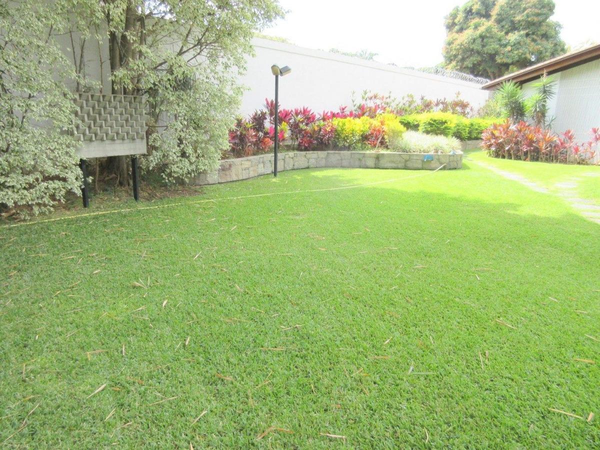 valle arriba excelente casa con piscina y gran jardin