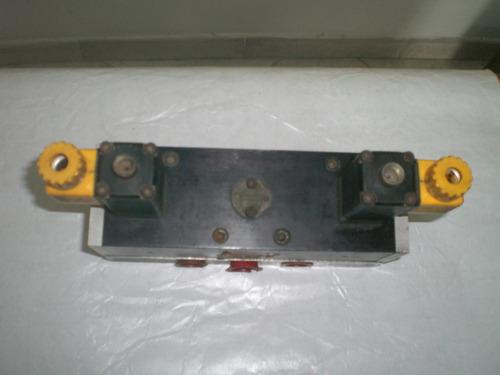 válvula direccional neumática 5 vías 2 posiciones.