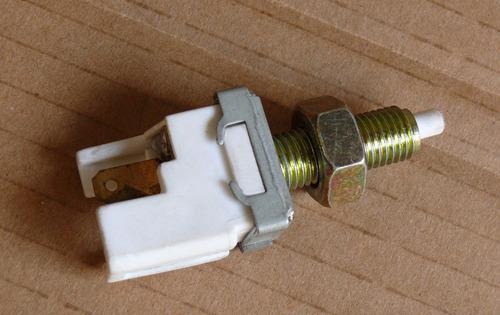 valvula, sensor  del pedal  freno turpial / festiva original