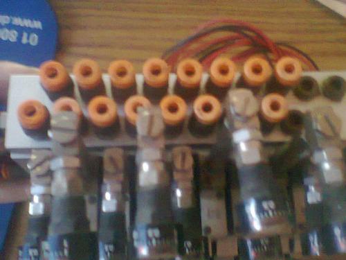 valvulas con  manifold y componentes reguladores de 24/mmu