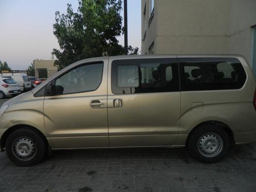 van hyundai new h1, motor 2.5, dorado año 2010