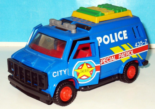 van  special patrol  policia - marca guisval (made in spain)