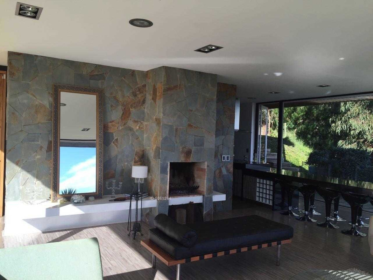 vanguardista casa en tunquen, condominio bosquemar