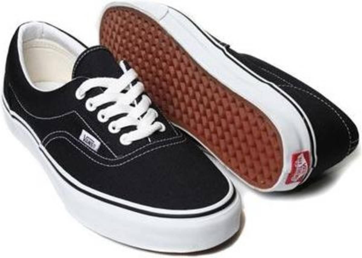 aaa95897361 Vans Old Skool 38 E 1 Vans Era 37 - R  200