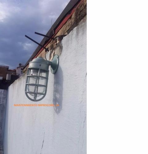 vapoleta de pared color verde y consumo 100w