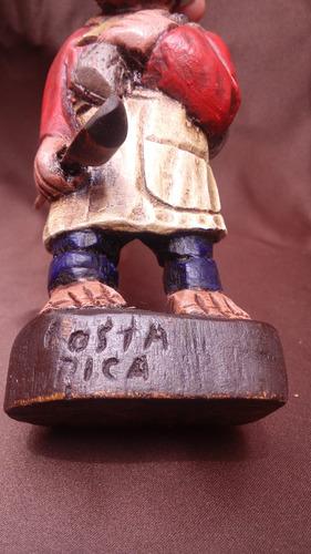 vaquero cocinero talla en madera