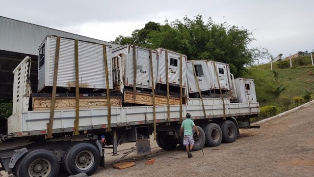 várias unidades cabines suplementar com carroceria