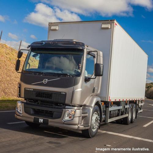 vários modelos de caminhões novos e usados.