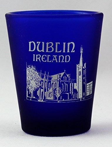 vaso de chupito helado de cobalto azul de dublín irlanda