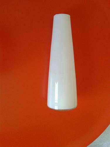 vaso de vidro branco opaline