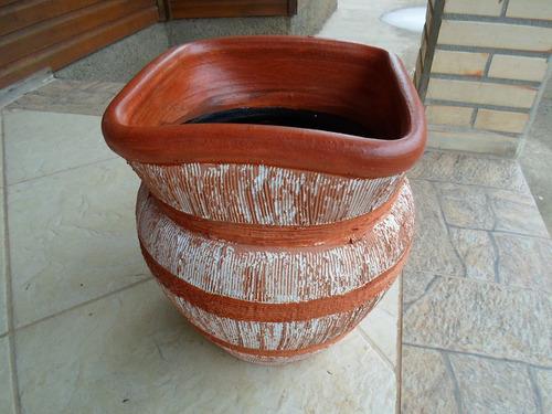 vaso em cerâmica pintado