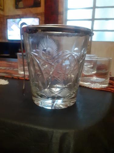 vasos d wiski e hielera