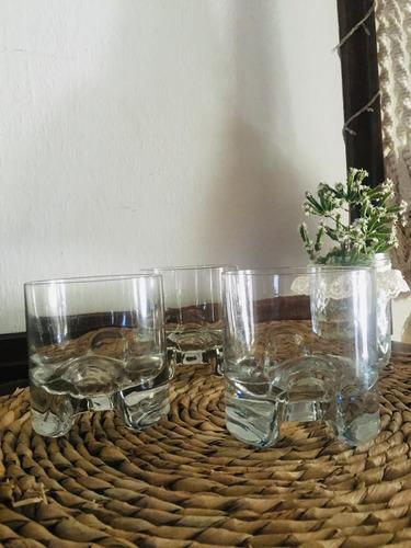 vasos de whisky. industria uruguaya