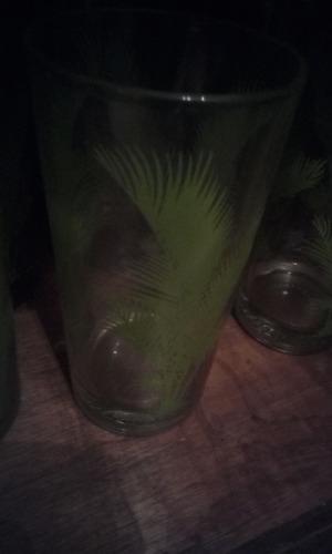 vasos lineas verdes