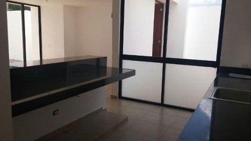 vdr-17030 preciosa casa en venta en privada 34 en fco de montejo mod. cierzo