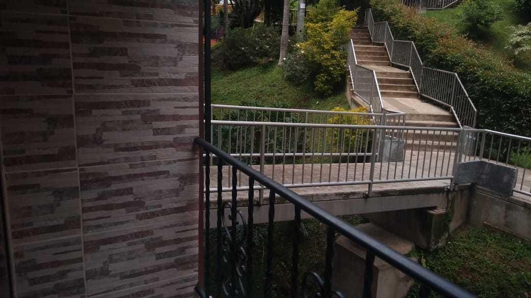 vedo apartamento en buenos aires en edificio  poblado de ve
