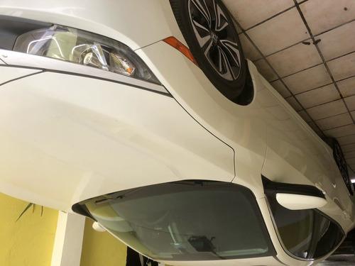 vehiculo semi-nuevo, de cochera con garantia y seguro amplio