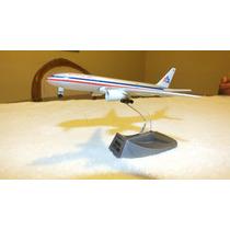 Aviones Comerciales American Airlines 777/200 Escala 1500