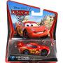 Disney Pixar Cars Rayo Mcqueen Con Neumaticos De Carrera