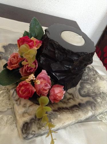 vela decorativa de mármol.