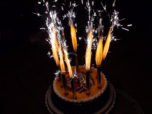 vela volcán para torta con flama de color paq x 5 unidades